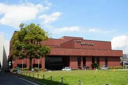 目の前が「奈良県橿原文化会館」